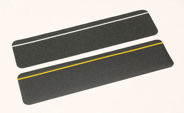 Picture of Anti-slip cleat black photoluminescent 610mm x 150mm